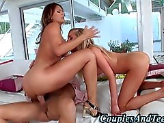 Teen fucked the teen and the threesome is awesome