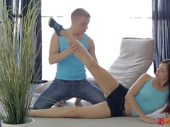 18 Videoz - Sporty couple anal workout