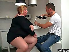 Fat milf sucking stranger's cock