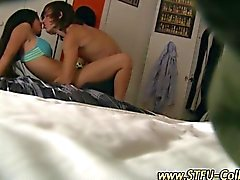 College teen threesome is so very suckalicious