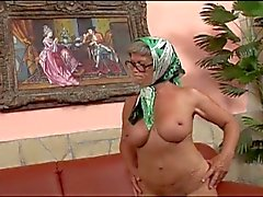 Old whore rammed hard by young dude