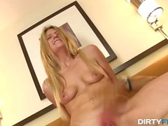 Dirty Flix - Amanda Tate - Fucking random hottie on vacation