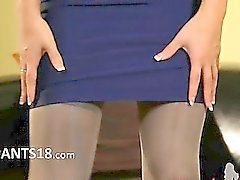 blondie in incredible nylon pantyhose