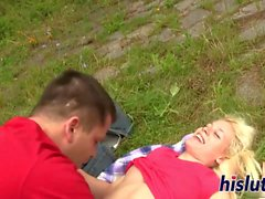 Saucy blonde babe has her cunt plowed
