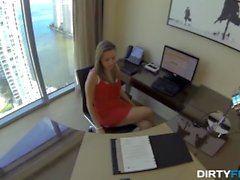 Dirty Flix - Lia Ezra - Lunch break secretary fuck