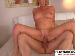 Fresh Mommy Amy Gets Fucked Hot Hot Bud