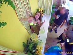 Dani Daniels - Fresh Lemonade (HUUU)