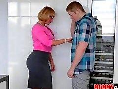 Melanie Monroe sharing a cock with spinner teenie