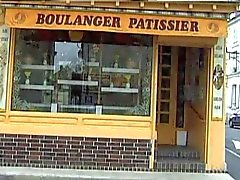 La boulangere salope (Fun at the bakery)