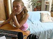 twenty amateur girl fingering for webcam