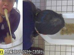 【JAPAN】peeing vomit peeping toilet vominatrix puke schoolgirl