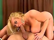 busty divorced cougar loves anal sex