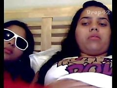 2 teen peruanas playing witch dildo in pussy