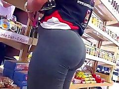 Cameltoe at supermarket