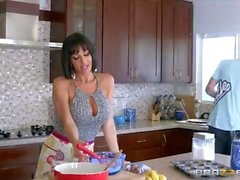 Milf Veronica Avluv gets young cock at kitchen