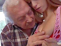 Porn casting for an amateur old man fucking young hot Erica Fontes