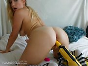 Gorgeus Teen Solo Show With Toy
