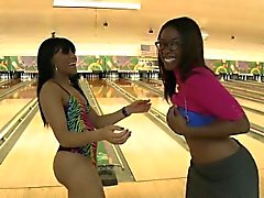 Ten Pin Ass Hammer With Bella & Jayla Foxx