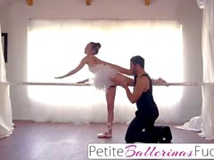 Flexible teen dancer fucked till she squirts