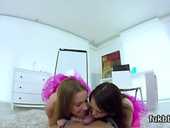 Naughty teenie pleasures kitty and gets licked and pounded i