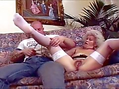 Granny gets her big pusy fucked