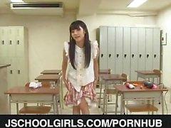 Rei Mizuna uses vibrator in classroom