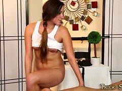 Teen masseuse gets spunk