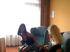 AMATEUR TEEN 30 sex party in a hotel room