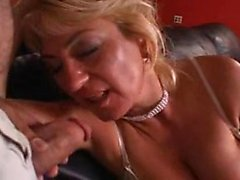Mature woman need young eat Yu from 1fuckdatecom