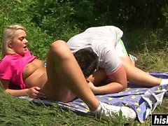Skinny babe gets her cunt drilled outdoors