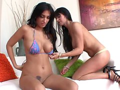 Hot MILF and two lusty young babes have threesome in bed
