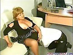 Fat mature cougar get horny