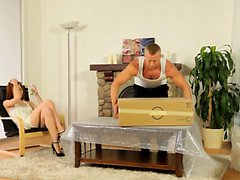 Luscious Russian Serptente Edita directs her man to eat out