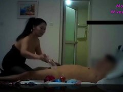 Chinese MILF with magic tongue on cam