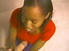Ebony Amateur Loves to Suck