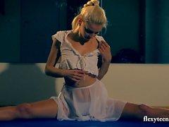 Flexible Lena shows nude gymnastics