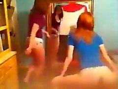 2 white girls trying to twerk (no nude)