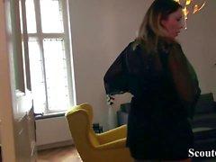 German Scout - Hure Mia-Blow (25) vor Kamera gefickt