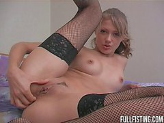 Teen Melisa Is With Hot Anal Fisting