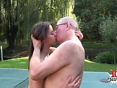Brunette pornstar blowjob with facial