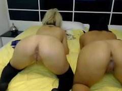 Two horny and beautiful girls Xnaughtygirlsx