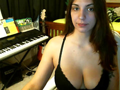 amateur pyrypypy flashing boobs on live webcam